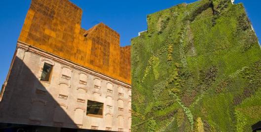El innovador jard n vertical del caixa forum madrid for Jardin vertical caixaforum